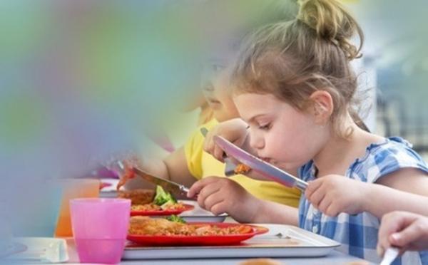 Siūlomas nemokamas maitinimas priešmokyklinukams ir pirmokams. Jeigu Seimas pritars