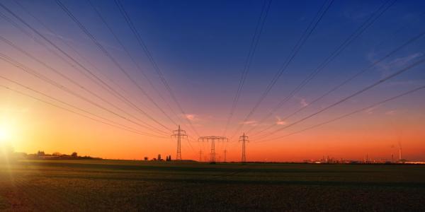 Ekspertai pataria, kaip išsirinkti tinkamiausią elektros tiekėją