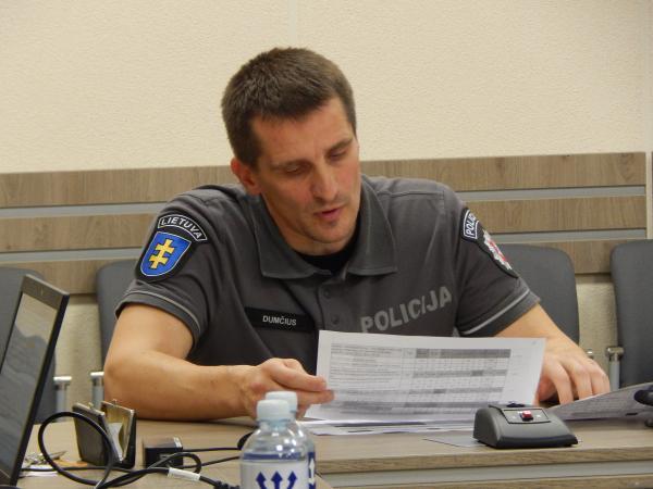 Komisariato viršininkas perspėja apie suaktyvėjusius sukčius
