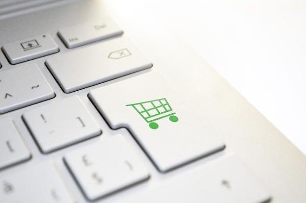 Lietuvos ir užsienio pirkėjų internetinio apsipirkimo palyginimas